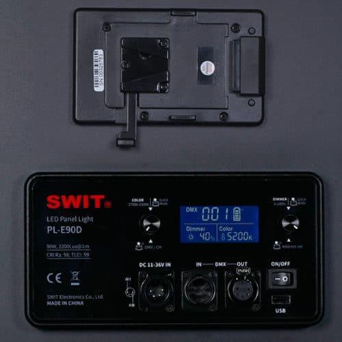 SWIT PL-E90D 3-kit so statívmi v transportnom kufri s DMX ovládaním.