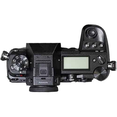 Panasonic LUMIX S1R s objektívom LUMIX S 24-105mm/F4,0 Macro OIS